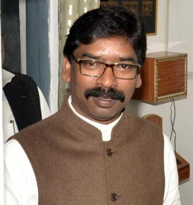 2 cops suspended over Jharkhand CM convoy attack