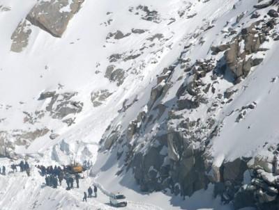 4 killed in Pak avalanche
