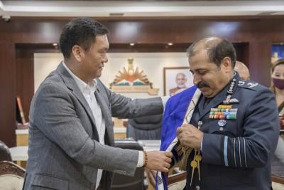 Arunachal CM assures IAF chief to help in defence preparedness