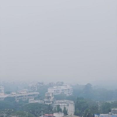 As smog covers Mumbai, B-Towners complain