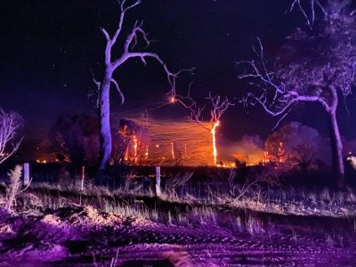 Bushfires threaten lives, homes in Western Australia