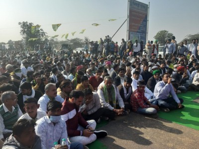 Delhi Congress chief visits Ghazipur in solidarity with farmers