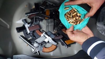 Delhi police nab key member of illegal arms ring, seize 35 pistols