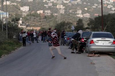 Egyptian, Israeli FMs discuss efforts to resume Palestinian peace talks