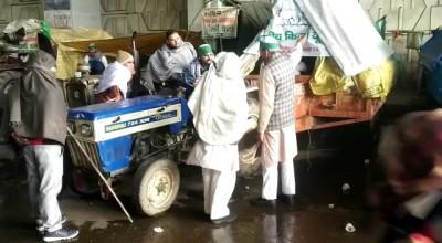 Farmers' agitation continues for 39th day amid biting cold, rain