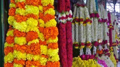 Sales of flowers fall in Hyderabad on Makar Sankranti