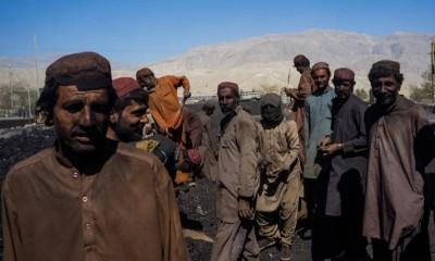 Hazaras refuse to end sit-in against Balochistan massacre