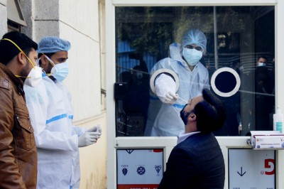 India reports 16,946 new Covid-19 cases, continues low streak