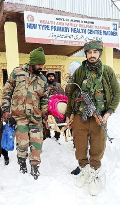 Indian Army rescue pregnant woman stuck in snowbound Kashmir to hospital