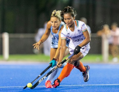 Indian eves suffer 2-3 loss to Argentina
