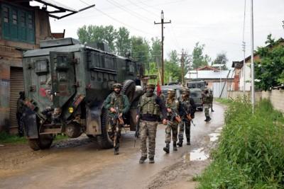 J&K Police maintains '3 killed in Srinagar gunbattle' had terror links