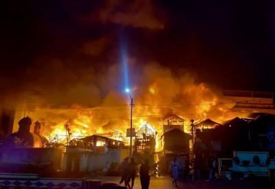 Major fire breaks out at north Kolkata slum