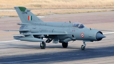 MiG-21 crashes in Rajasthan, pilot ejects safely