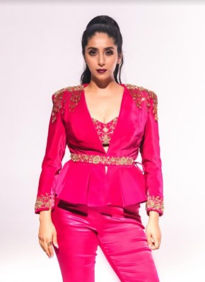 Neha Bhasin: Reality shows can be a great starting point