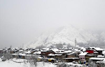 Night temperatures rise as rain, snow lash J&K, Ladakh