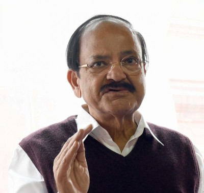 Right character among netas is in short supply: Vice President