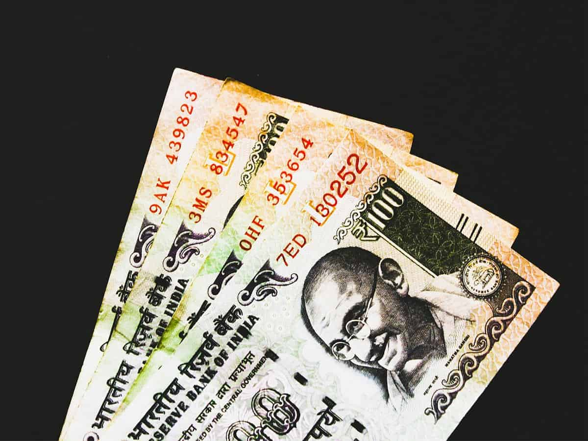 Rs 100 notes