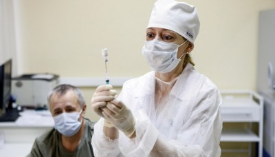 Russia's Covid-19 cases up 21,127 to 37,19,400