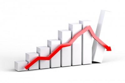 Sensex slips 200 points, IT stocks plunge