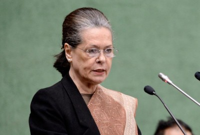 Shun arrogance of power and withdraw 3 farm laws: Sonia