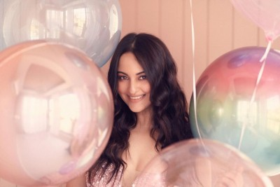 Sonakshi moves on to 2021 'with an open heart'