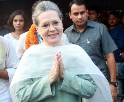 Sonia calls meet of Kerala leaders after local polls debacle