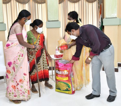 Telangana Governor hosts lunch for distressed woman