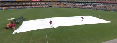 Thunderstorms expected on final day at the Gabba