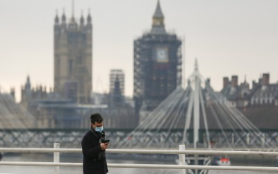 UK coronavirus-related death toll tops 1,00,000