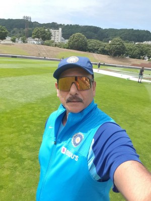 Whole world will stand up & salute you: Shastri to Indian team