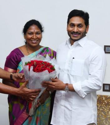 YSRCP picks Pothula Sunitha to contest MLC election in Andhra