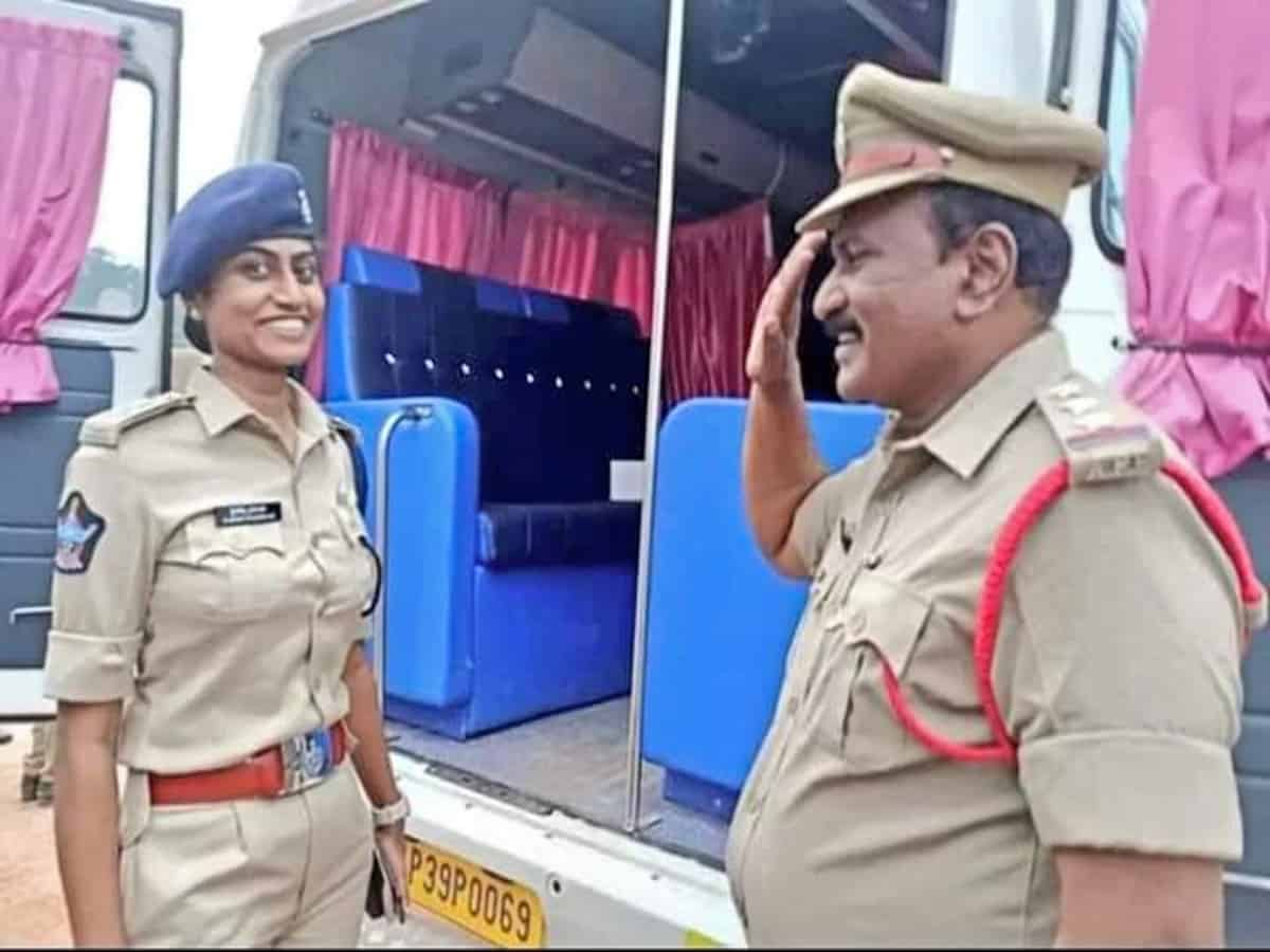 Circle Inspector's daughter becomes DSP, father proudly goes on duty, see you too PHOTO