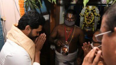 Andhra CM inaugurates new chariot of Antarvedi temple