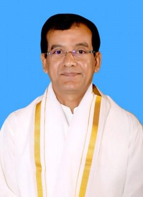 Andhra govt shifts out Tirupati JEO following SEC's temple visit