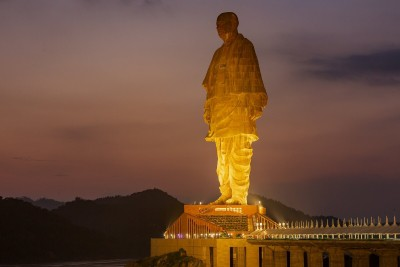 IRCTC to run deluxe AC tourist train to Jyotirlinga, Statue of Unity