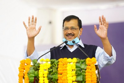 Kejriwal takes out roadshow ahead of MCD bypolls