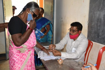 Panchayati polls in Andhra begin on peaceful note
