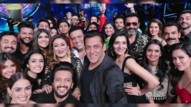 Salman Khan's 'mega selfie' is the viral pic of the day!