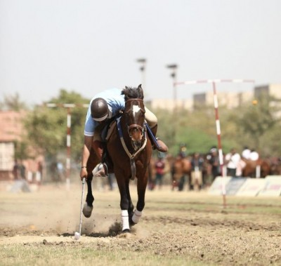 Dinesh Kumar bags lemon and tent pegging gold