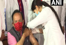 Harsh Vardhan takes first jab of COVID-19 vaccine