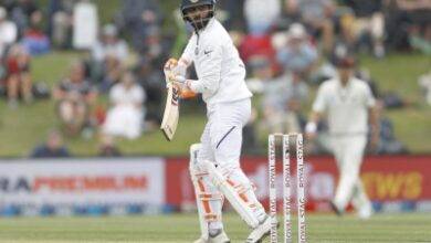 Jadeja now wondering what happened to his thumb: Gavaskar