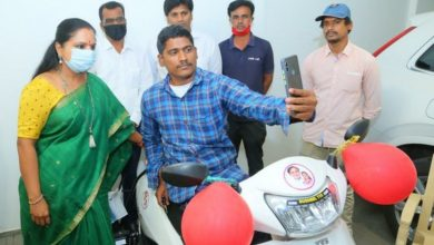 Nizamabad MLC Kavitha gifts scooter to specially-abled man
