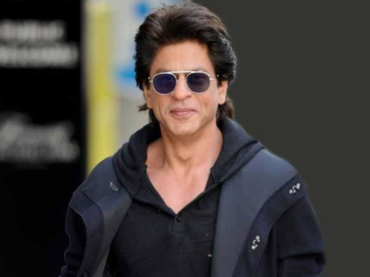 Shah Rukh Khan becomes highest-paid actor with his HUGE Pathan fee