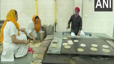 Delhi Sikh Gurudwara Prabandhan Committee provides langar food for COVID-19 patients