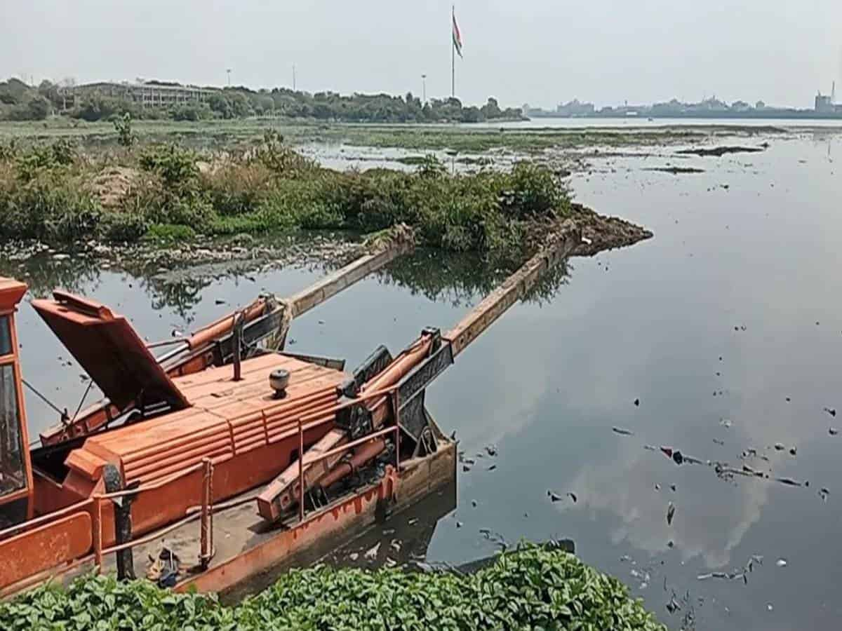 HMDA ropes in Bengaluru firm to clean up Hussain Sagar