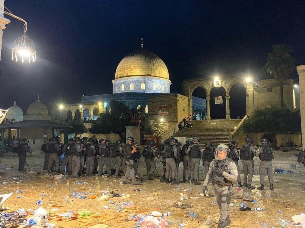 200 worshippers injured after Israeli forces attack Masjid Al Aqsa on  Friday eve