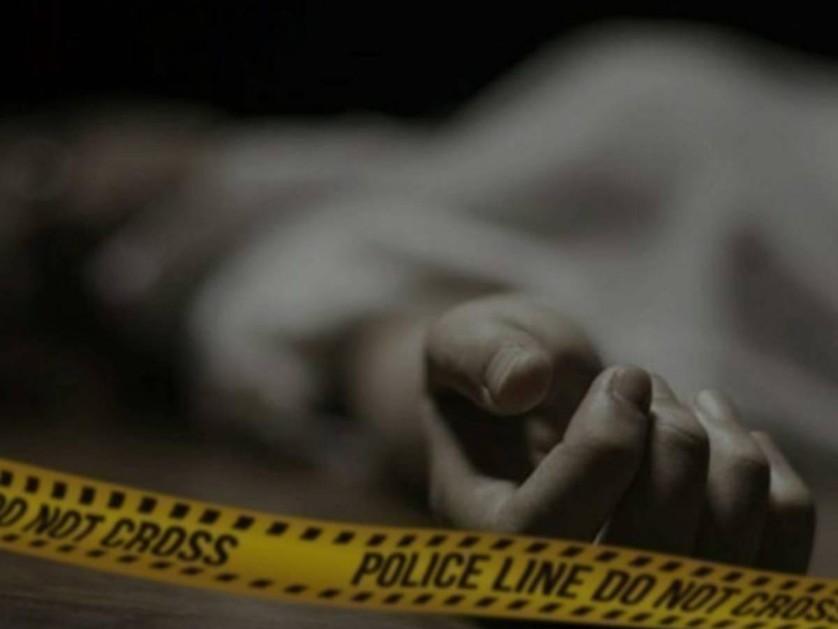 AP: Dead bodies of 2 kids,woman found floating in tank; probe on