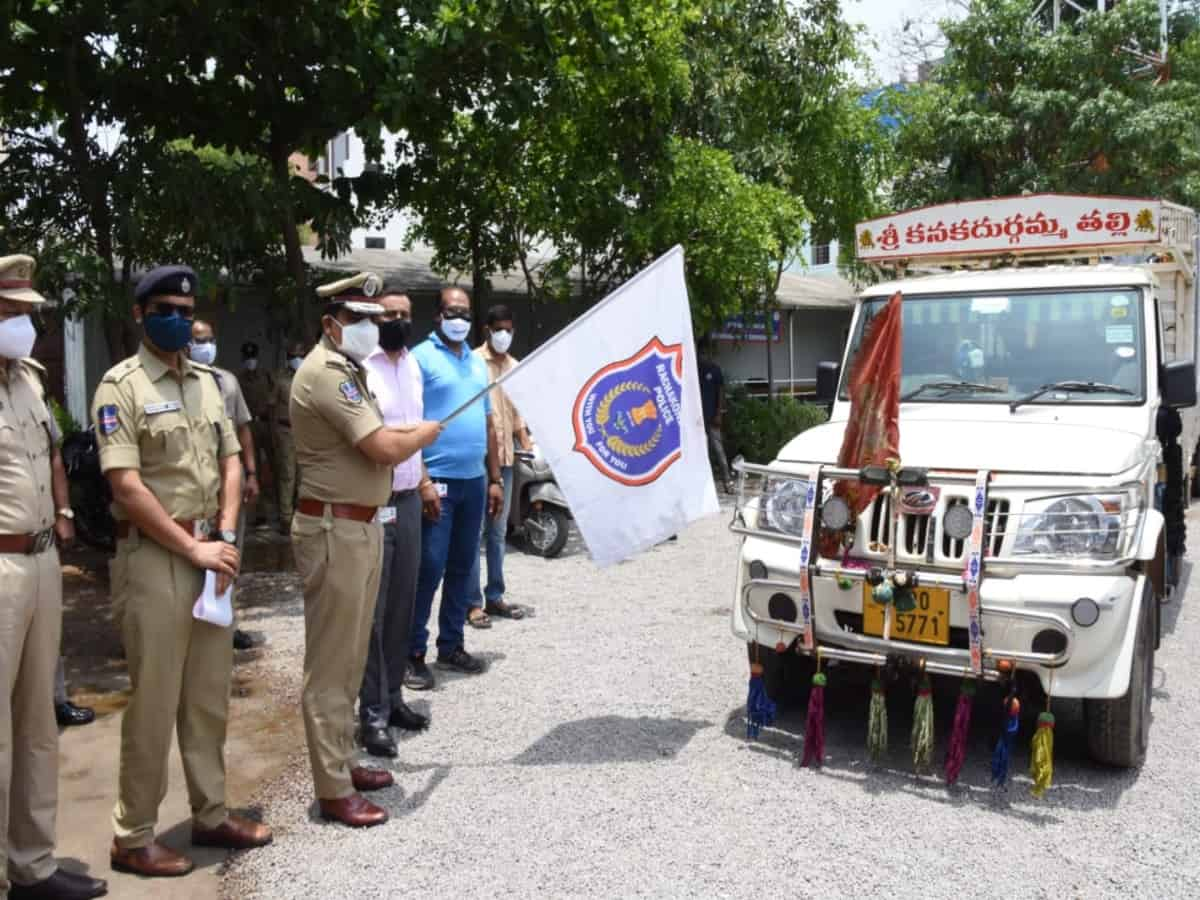 Mahindra launches 'Oxygen on wheels' service in Hyderabad