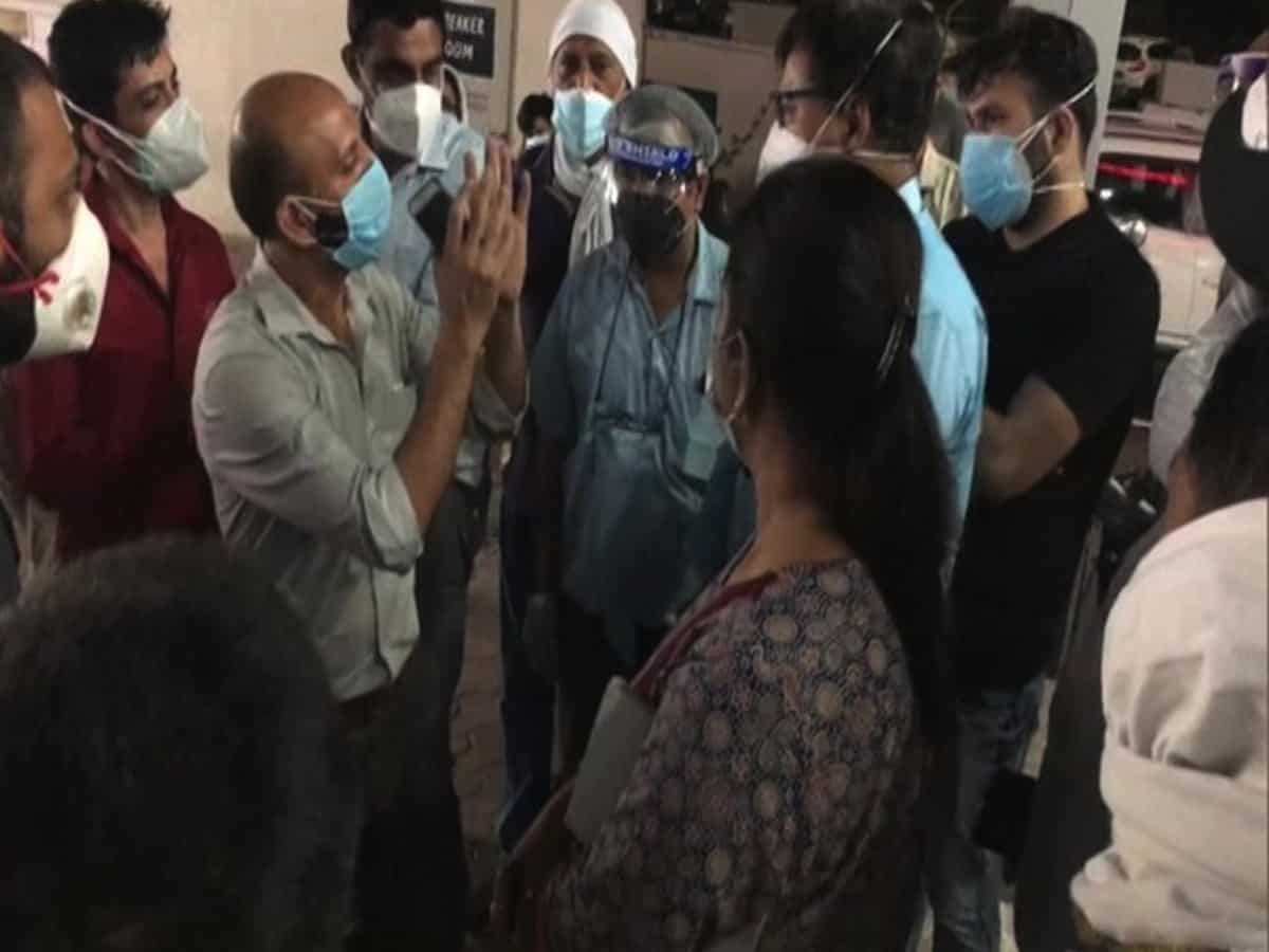 Meerut: Family members create ruckus after five COVID patients die in a private hospital