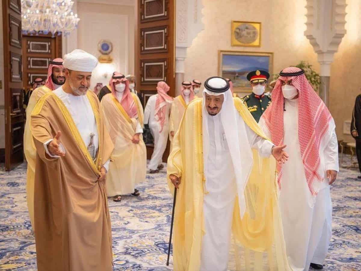Saudi King, Oman Sultan hold negotiation session